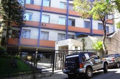 AP. - Rua Mar de Espanha - 745, Próx. à Copasa, Salão de Festas, Quadra Poliesportiva, Porteiro Físico, Garagem.