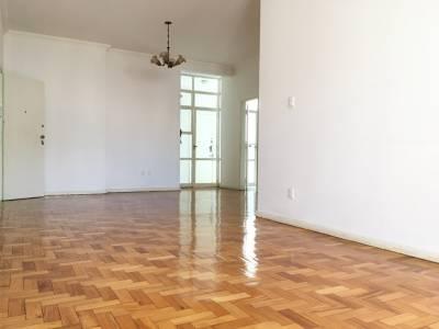 APTO. reformado, 170m²,  quartos com varanda, sala para 03 ambientes com varanda,  vista definitiva,  portaria 24 horas, elevadores.