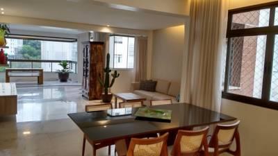 APARTAMENTO - 200m² / 1 por andar / 1 suíte master e 2 semi-suítes / sala para 4 ambientes / 4 quartos / 3 vagas