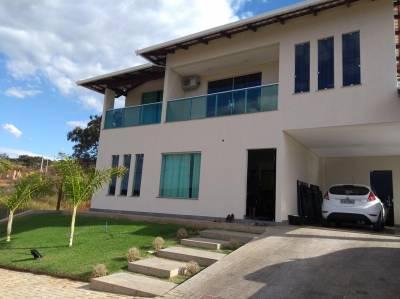 Casa em condomínio de 420,00m²,  à venda
