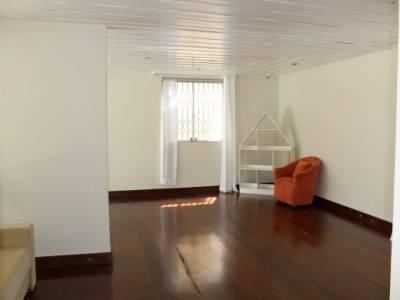 Casa de 450,00m²,  à venda