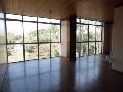 Apartamento de 228,00m²,  à venda