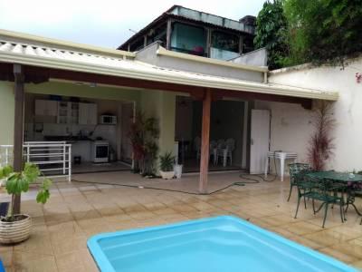 Casa de 245,00m²,  à venda