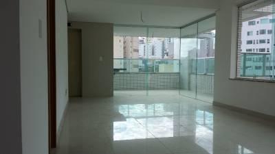 Área privativa de 384,00m²,  à venda