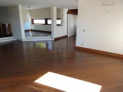 Casa de 1.800,00m²,  para alugar