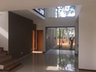 Casa em condomínio de 213,00m²,  à venda