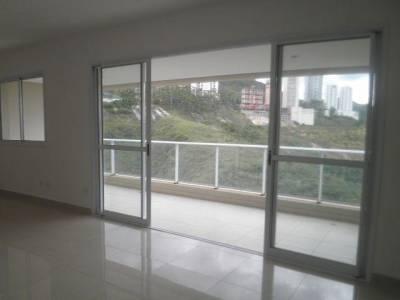 Apartamento de 137,88m²,  à venda
