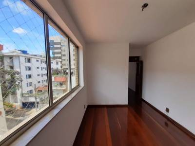 Apartamento de 121,00m²,  para alugar