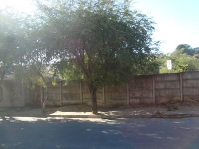 Terreno / Área de 360,00m²,  à venda