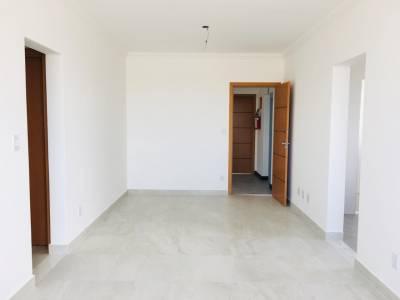 2 quartos, 2 garagens, 2 banheiros, Venda, Caiçaras.