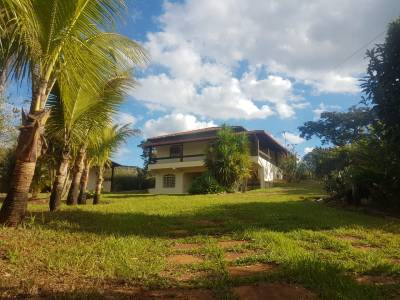 Casa de 1.300,00m²,  à venda