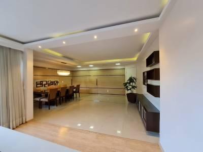 Área privativa de 300,00m²,  à venda