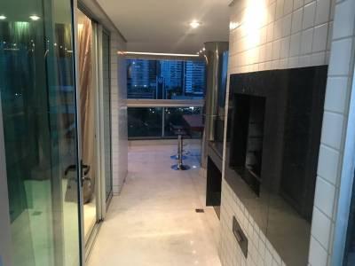 Apartamento de 243,00m²,  para alugar