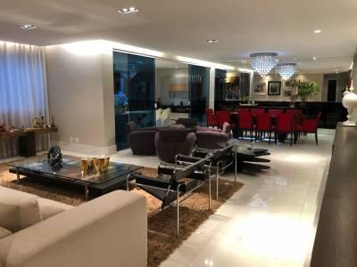 Apartamento de 274,00m²,  para alugar