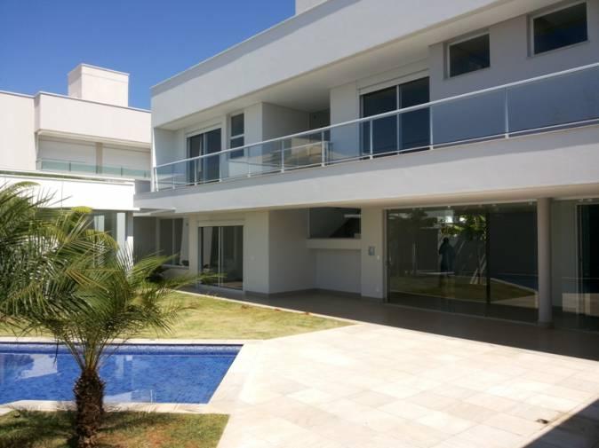 Casa em condom�nio   Cond. Villa Dos Ipes (Uberl�ndia)   R$  4.200.000,00