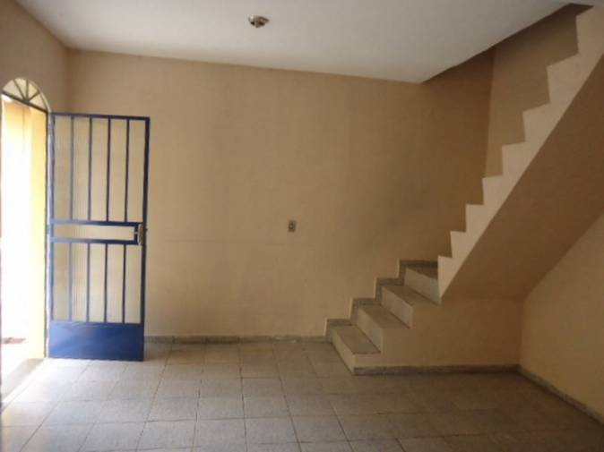 Casa geminada   Camargos (Belo Horizonte)   R$  900,00