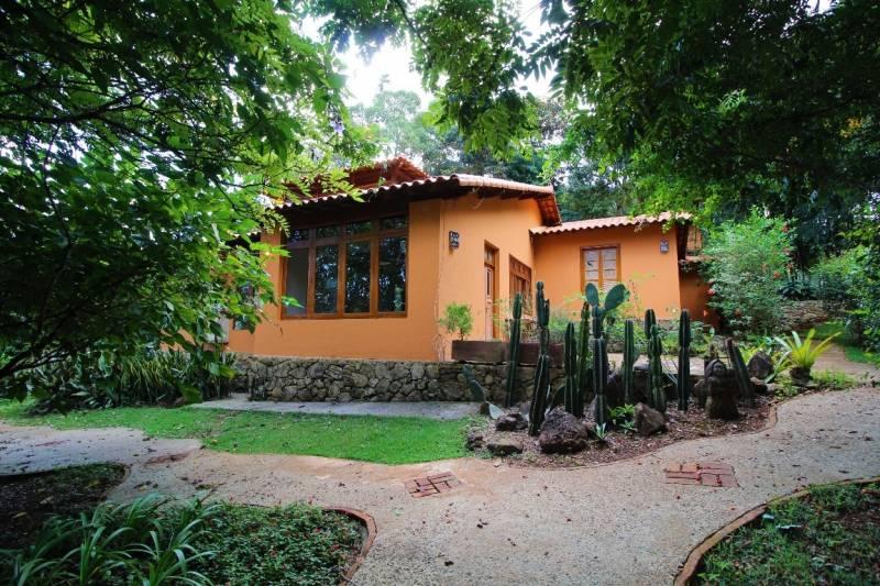 Casa em condomínio de 1.270,00m²,  à venda