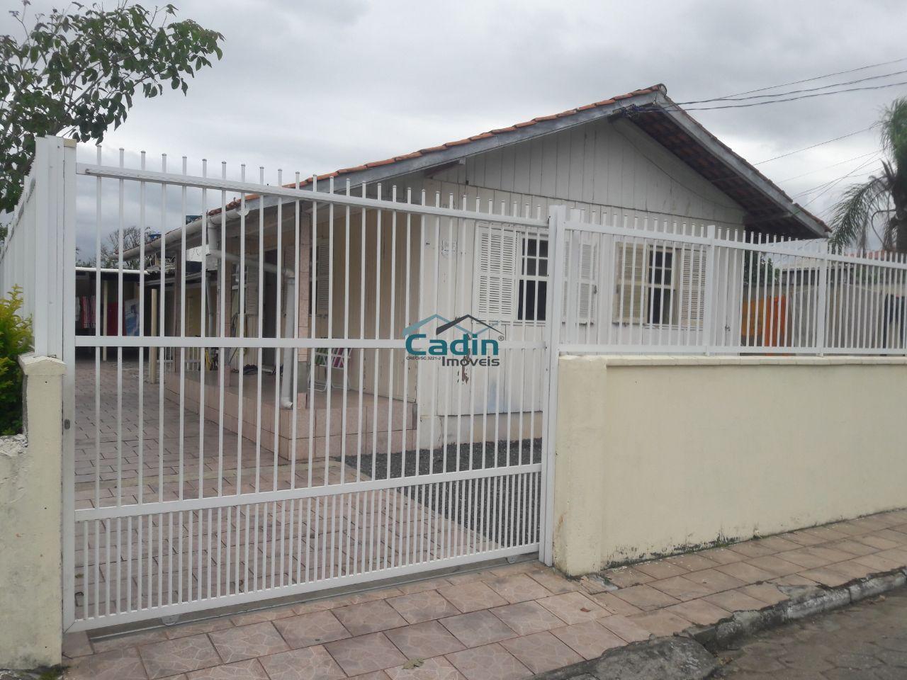 Casa - Centro - Navegantes - R$ 350.000,00