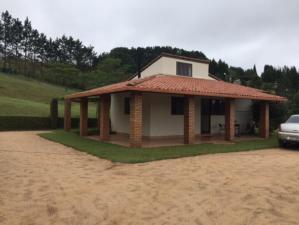 Casa em condomínio   Estância Alpina (Nova Lima)   R$  650.000,00