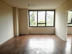 Sala   Vila Da Serra (Nova Lima)   R$  4.600,00