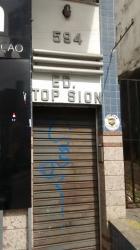 Ótima sala em prédio pequeno à venda no bairro Sion