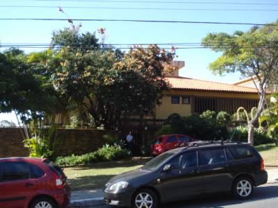 Casa de 690,00m²,  à venda