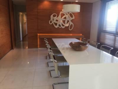 Apartamento de 305,00m²,  à venda