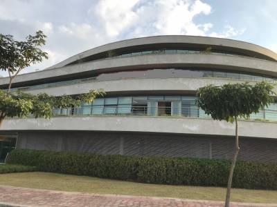 Sala de 900,00m²,  à venda