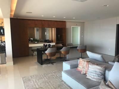 Apartamento de 420,00m²,  à venda