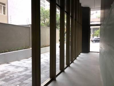 Sala de 303,00m²,  à venda