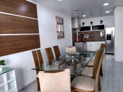 Casa de 363,00m²,  à venda
