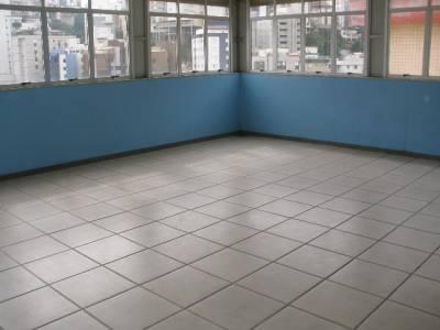 Sala de 100,00m²,  à venda