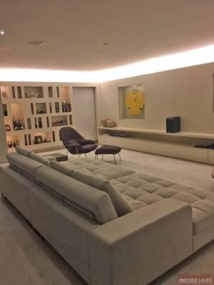 Apartamento de 302,00m²,  à venda