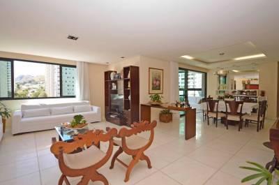Apartamento de 213,00m²,  para alugar