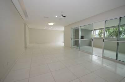 Apartamento de 215,00m²,  para alugar