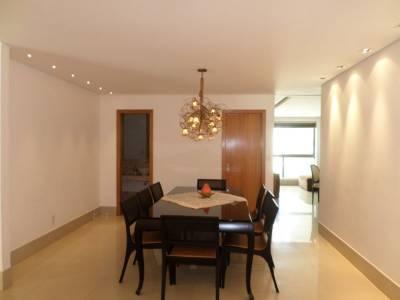 Apartamento de 245,00m²,  para alugar