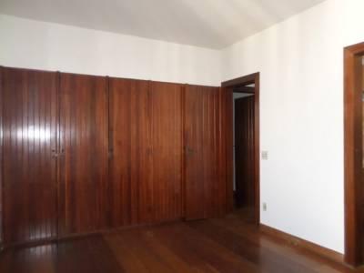 Apartamento de 232,00m²,  para alugar