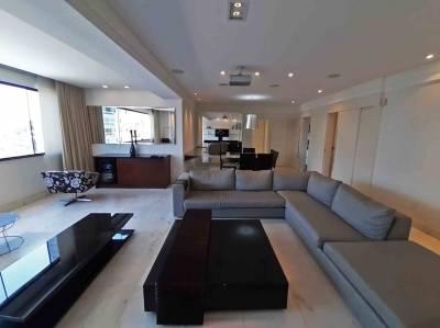 Apartamento de 176,00m²,  para alugar