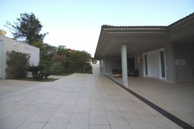 Casa em condomínio de 780,00m²,  à venda