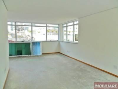 Sala de 82,00m²,  à venda