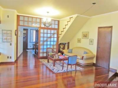 Casa de 544,00m²,  à venda