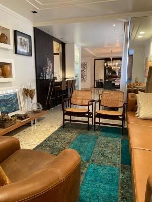 Apartamento Duplex de 217,53m²,  à venda