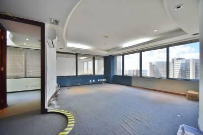 Sala de 64,00m²,  para alugar