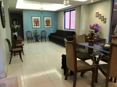 Área privativa de 432,00m²,  à venda