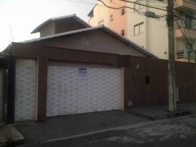 Casa de 360,00m²,  à venda