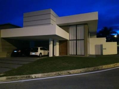Casa em condomínio de 276,00m²,  à venda