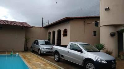 Casa de 315,00m²,  à venda