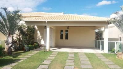 Casa em condomínio de 193,00m²,  para alugar