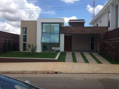 Casa em condomínio de 179,00m²,  à venda