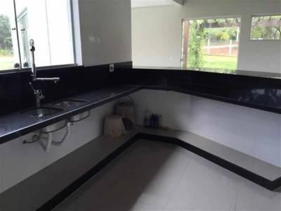 Casa em condomínio de 245,00m²,  à venda